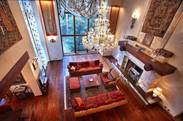 Wealthy Russians Live In These Spectacular Moscow Homes