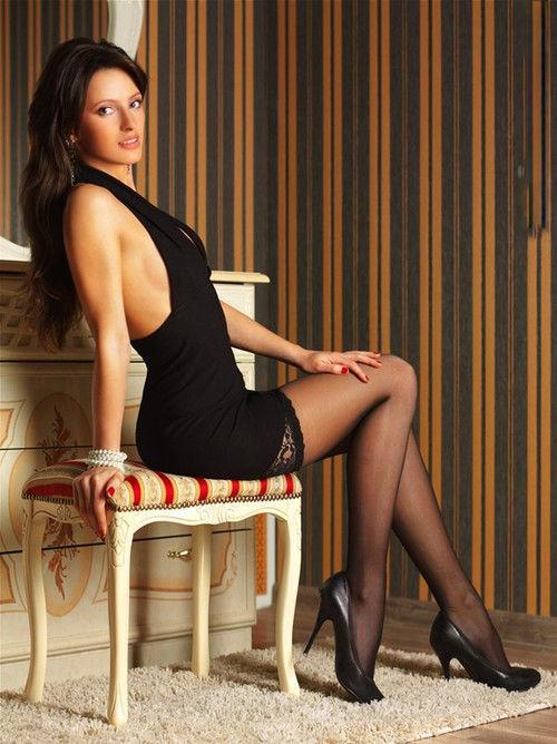 Oh My, Those Tight Dresses. Part 10 (50 pics) - Izismile.com