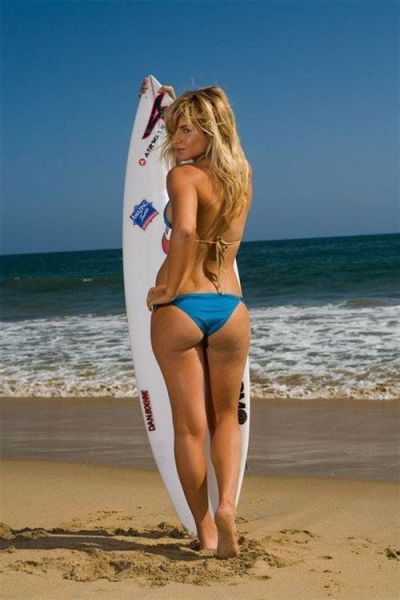 Wet 'n Wild Surfer Chicks