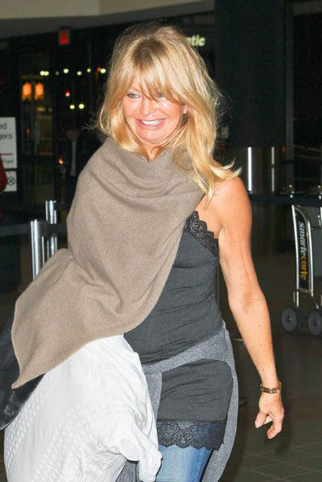 What Has Goldie Hawn Done to Her Face?