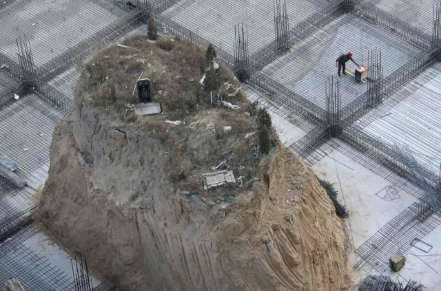 This Unusual Object Poses a Problem for Builders