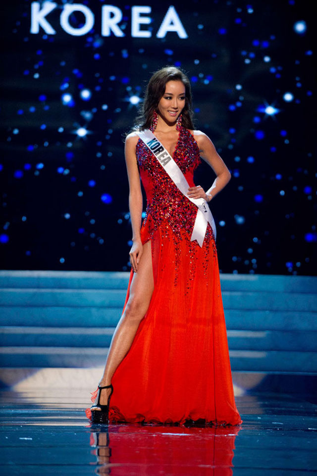 """The Beautiful Finalists of the 2012 """"Miss Universe"""" Pageant"""