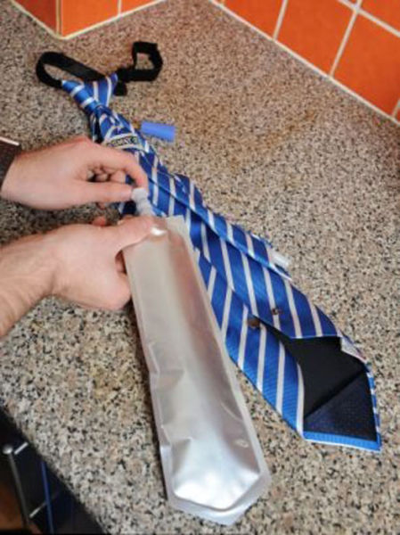 """The """"Flask Tie"""" Gives a New Meaning to Office Drinks"""