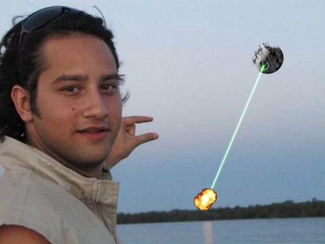 """The Best Trolling of """"Can Someone Photoshop the Sun Between My Fingers?"""""""