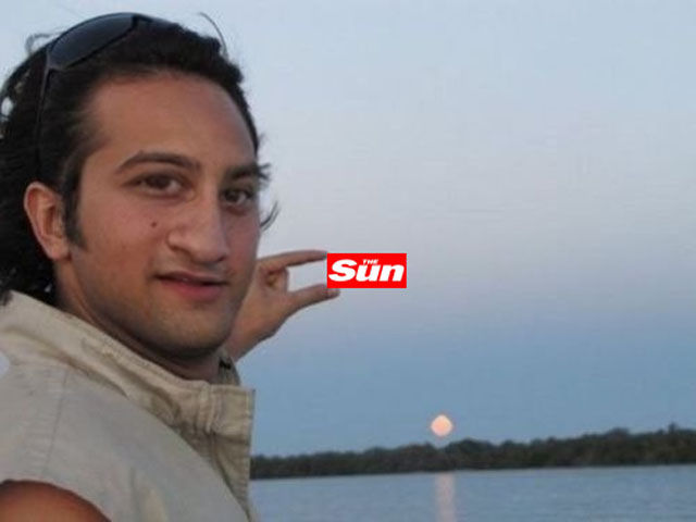 "The Best Trolling of ""Can Someone Photoshop the Sun Between My Fingers?"""