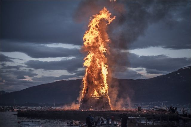 The Makings of a Giant Fire