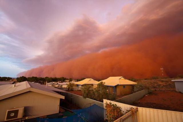 Unusual Red Wave Hits Western Australia