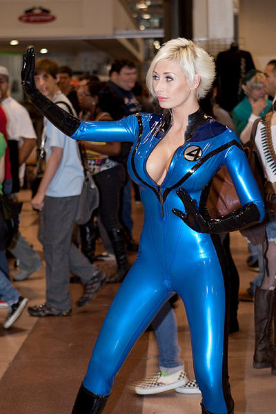 Cute and Kick-Ass Cosplay Girls