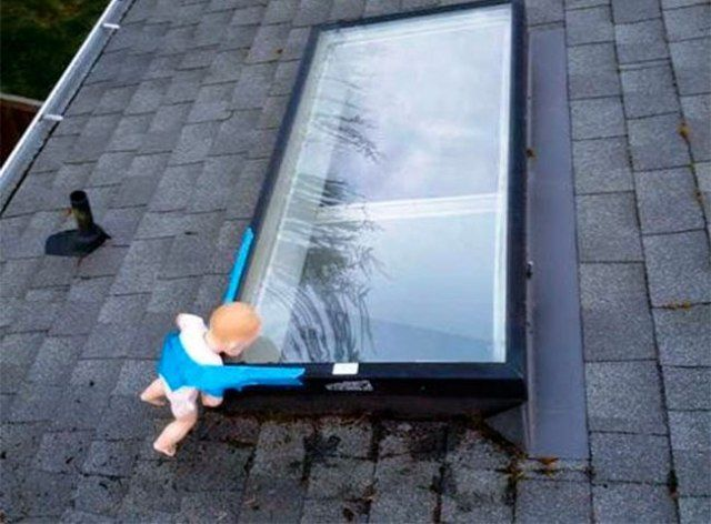 Freaky Roof Window Prank
