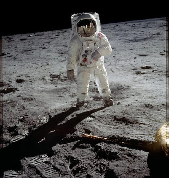 The Daily Smile Mission: Historical Photos Of The Great Apollo Moon Missions (49