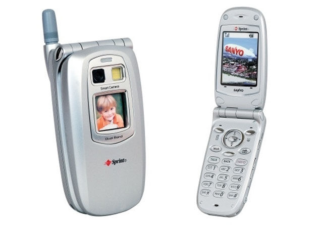 The Growth and Progress of Cellphones Over Time