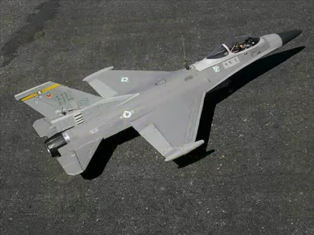 Flying This RC F-16 with Its Onboard Camera Must Be Incredibly Cool