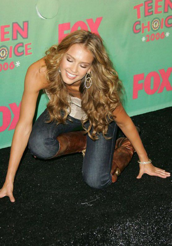 Famous People Fall Too (14 Pics)