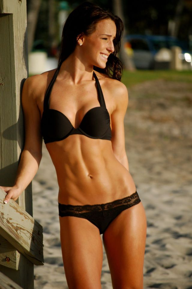 Perfectly Toned and Trim Girls (53 pics)