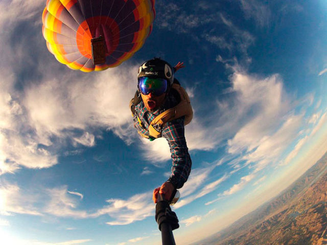 Modern Shockproof Cameras Take Amazing Extreme Sports Photos
