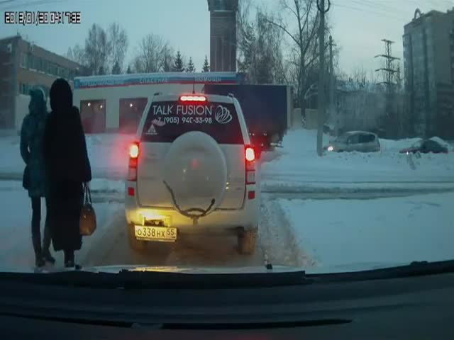 Russian Superhero Helps Fellow Driver