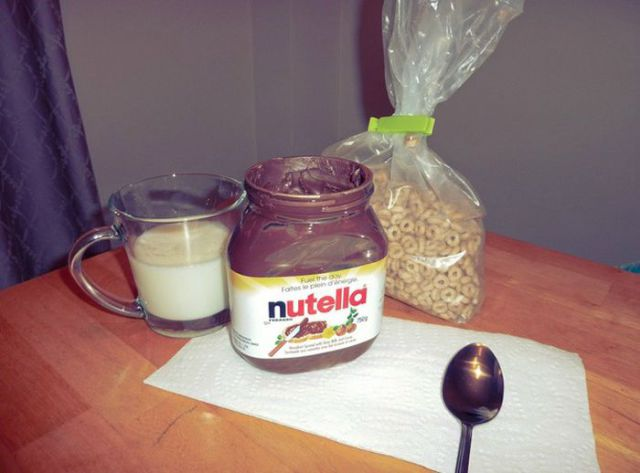 How to Get the Last Bits of Nutella Out of the Jar