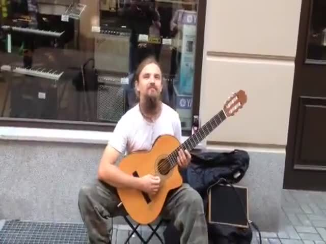 Impressive Talented Polish Street Guitarist