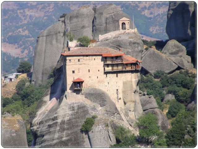 Extraordinary Architectural Design in Magnificent Mountain Temples