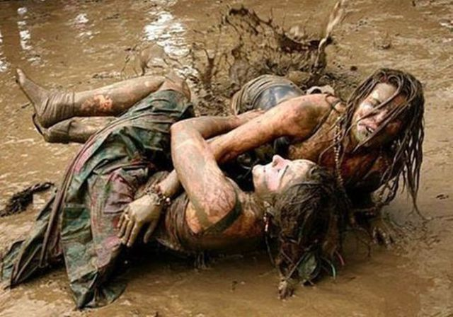 Girls Getting Filthy for Fun