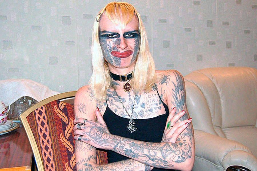 Новогодние татуированные бабы