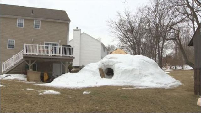 A Cool Home-Made Snow Cabin