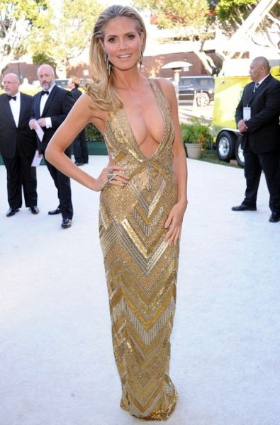 Hollywood's Hottest Mom!
