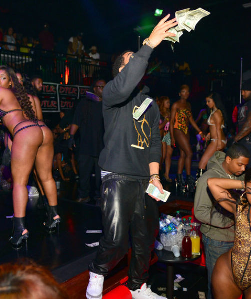 It Rains Money When Drake Visits a Strip Club