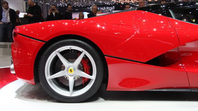 Ferrari Release Their Own New Supercar to Rival Lamborghini�s Veneno