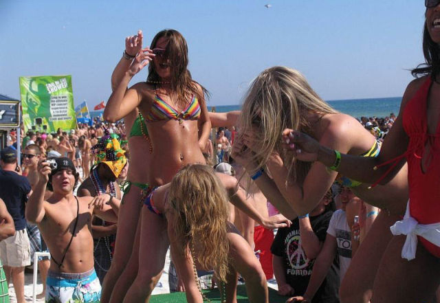 Spring Breakers Know How to Party Hard