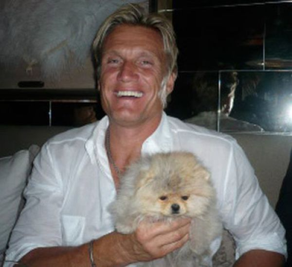 This Popular Pomeranian Has Many Celebrity Friends