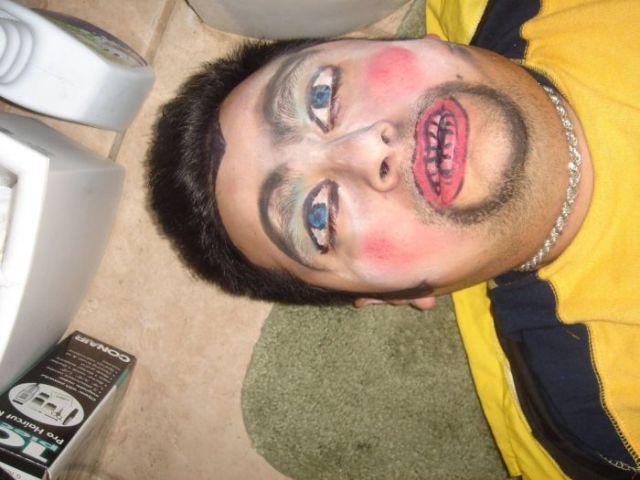 Drunk Dude Is Victim of Creative Prank