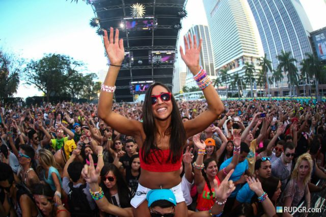 Babes Rocking Out at the Ultra Music Festival