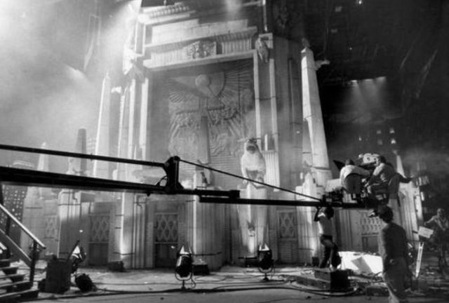 Candid Set Photos from the Filming of Iconic Movies