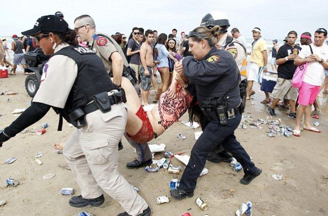 The Real-Life Drunken Debauchery At Spring Break 29 Pics - Izismilecom-6477