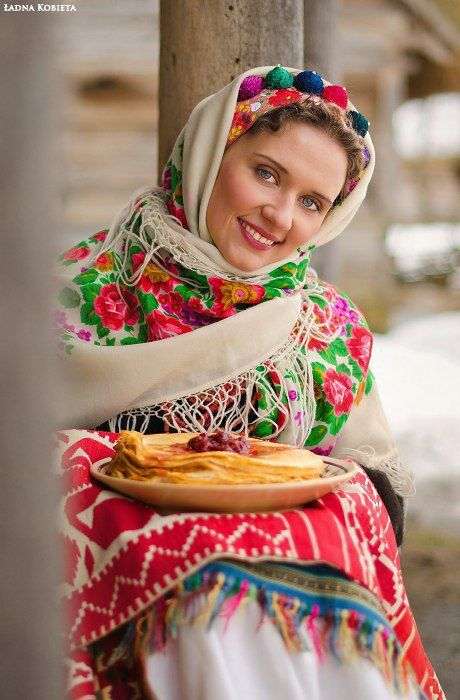 Beautiful Slavic Girls in Traditional Outfits