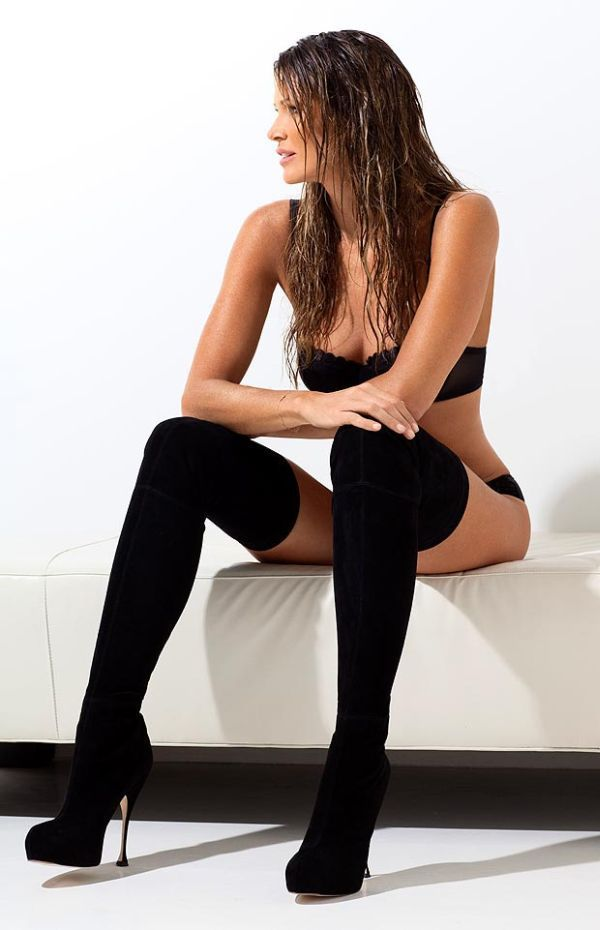 Elle MacPherson Is the Sexiest 50 Year Old