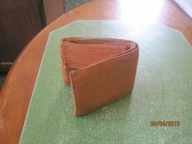 A Wallet That Costs Only 25 Cents Contains Lucky Find