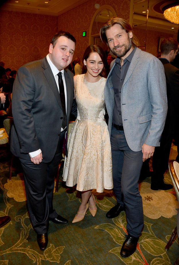 """Ordinary Things You Don't Normally See the """"Game of Thrones"""" Stars Doing"""