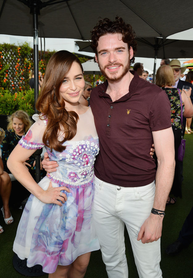 "Ordinary Things You Don't Normally See the ""Game of Thrones"" Stars Doing"