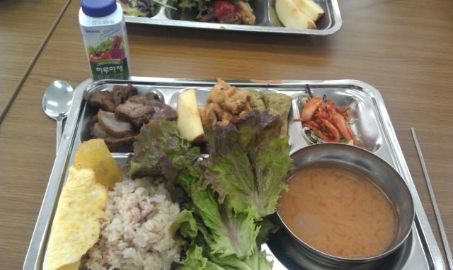What Korean Private School Kids Get Served for Lunch
