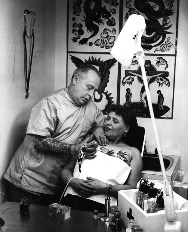 Old-School Photos of Women Rocking Tattoos