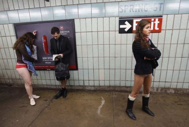 "Subway Commuters Get into the Spirit of ""No Pants Day"""