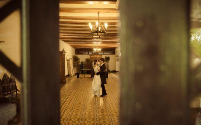 A Memorable Zombie Wedding Photo Shoot
