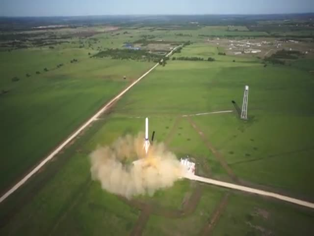SpaceX Rocket's Incredible Vertical Takeoff and Vertical Landing