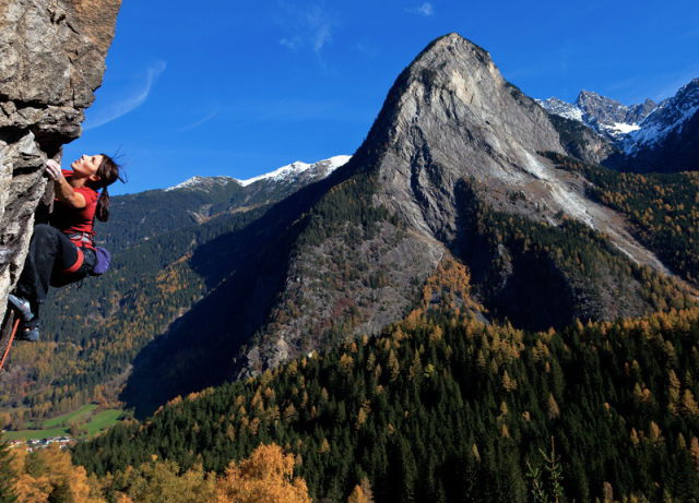 Impressive Pictures of Fearless, Thrill-Seeking Mountain Climbers