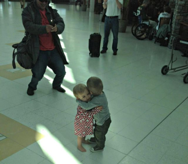 Adorably Sweet and Touching Moments Caught on Camera