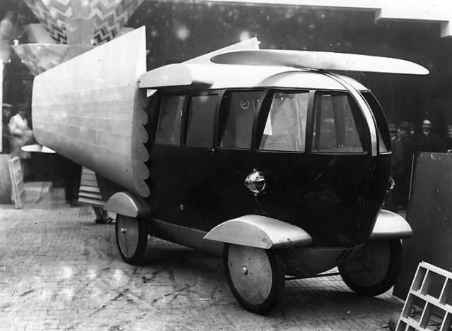 A Photo Collection of the Most Bizarre Retro Vehicles