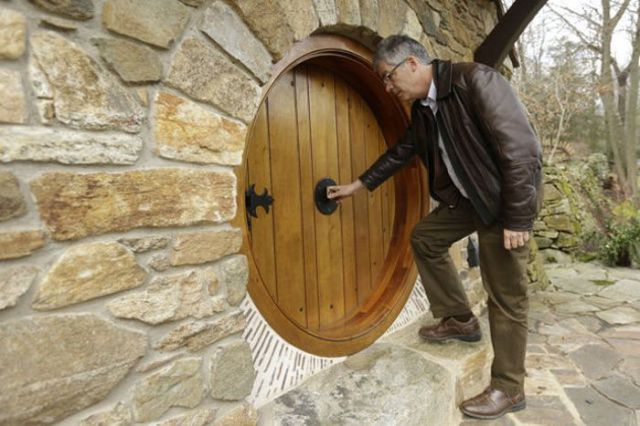 """The Hobbit"" Fans Will Love This One-of-a-kind House"