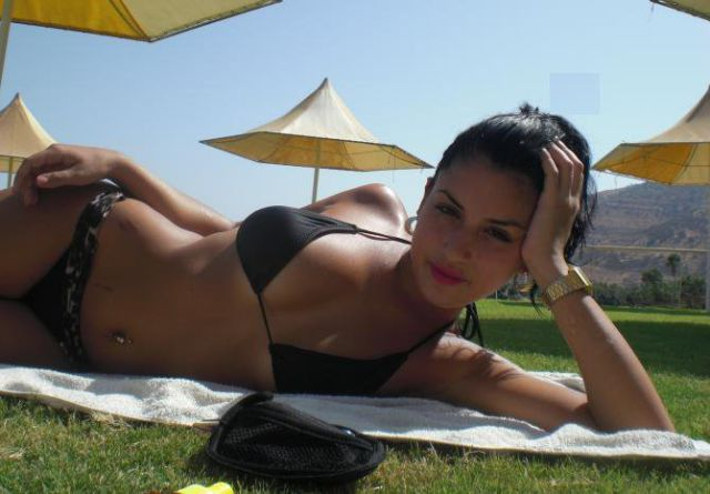 Sexy Facebook Photos of Arab Girls